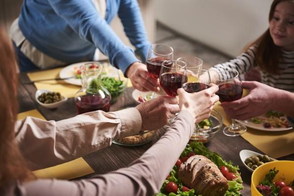 AD_Welcher-Wein-zum-Essen